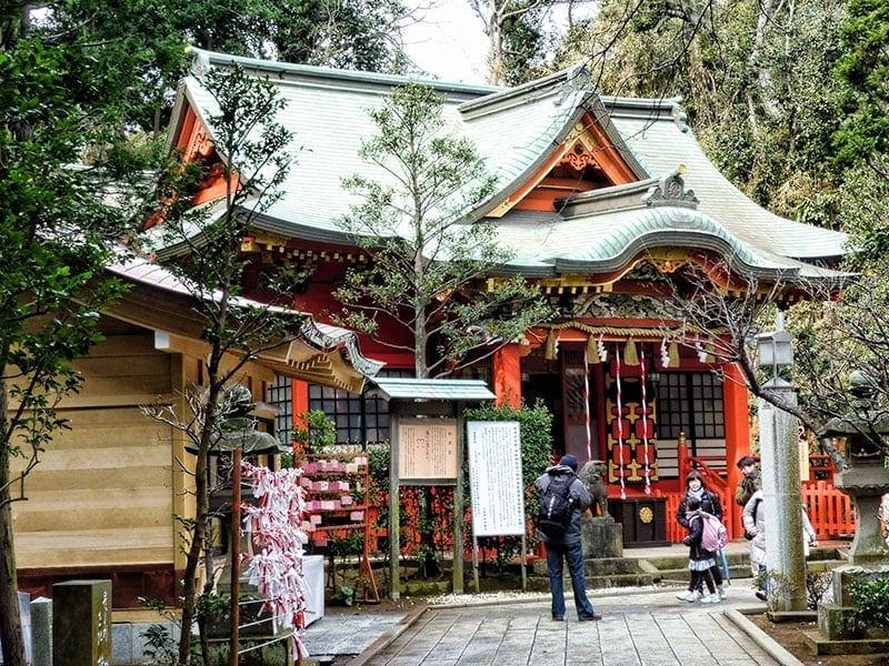 Enoshima-Shrine-Nakatsu-No-Miya-Jinja
