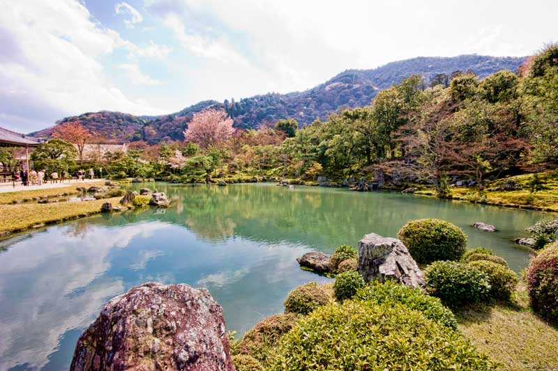 Best Japanese Gardens - Tenryuji temple in Arashiyama