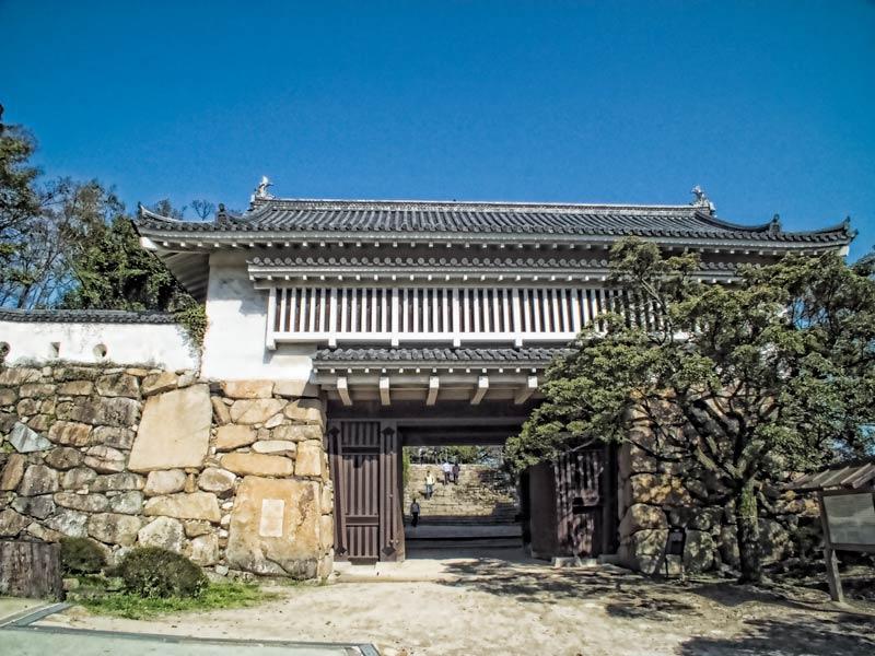 Akazu-no-mon gate at Okayama Castle