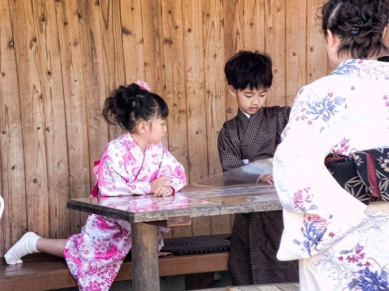 Children in kimono