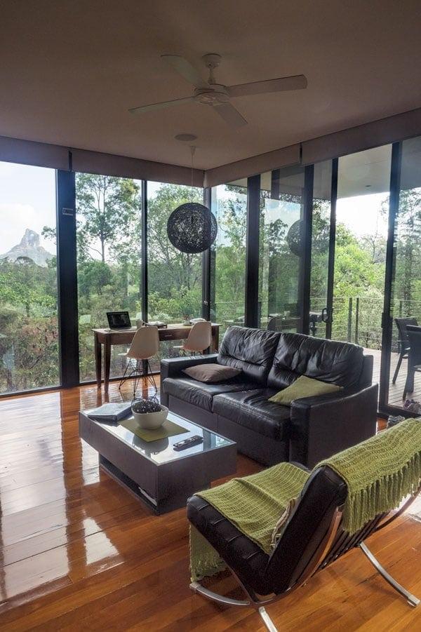 Glass on Glasshouse - Pod living area