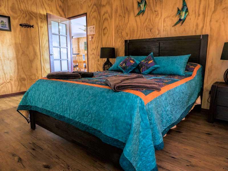 Tweeters Country Getaway Bedroom