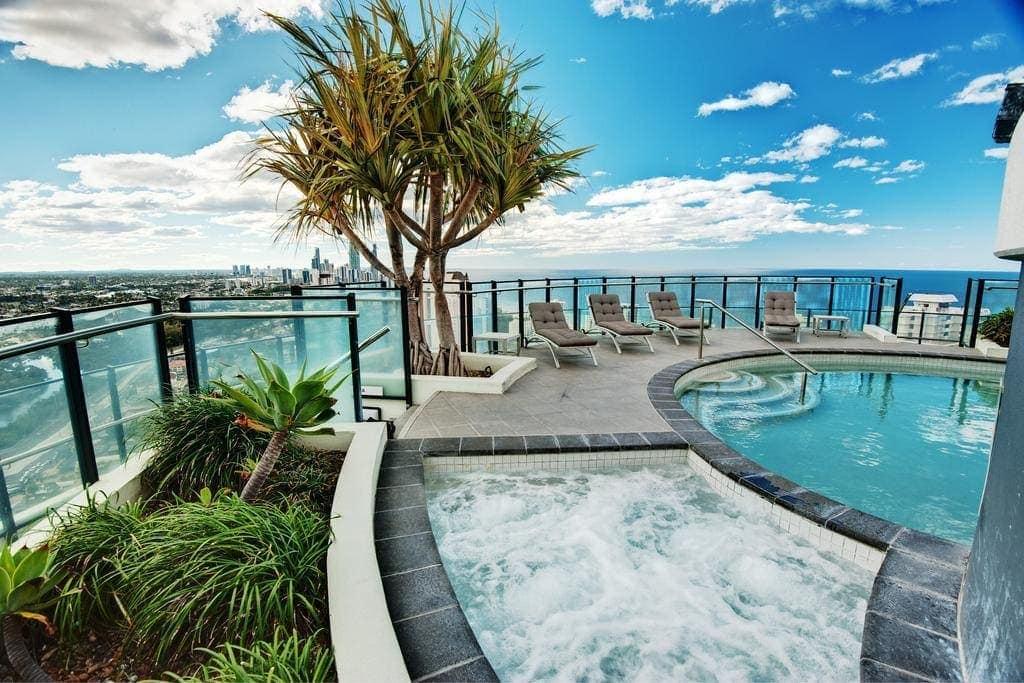 Waves Resort Broadbeach