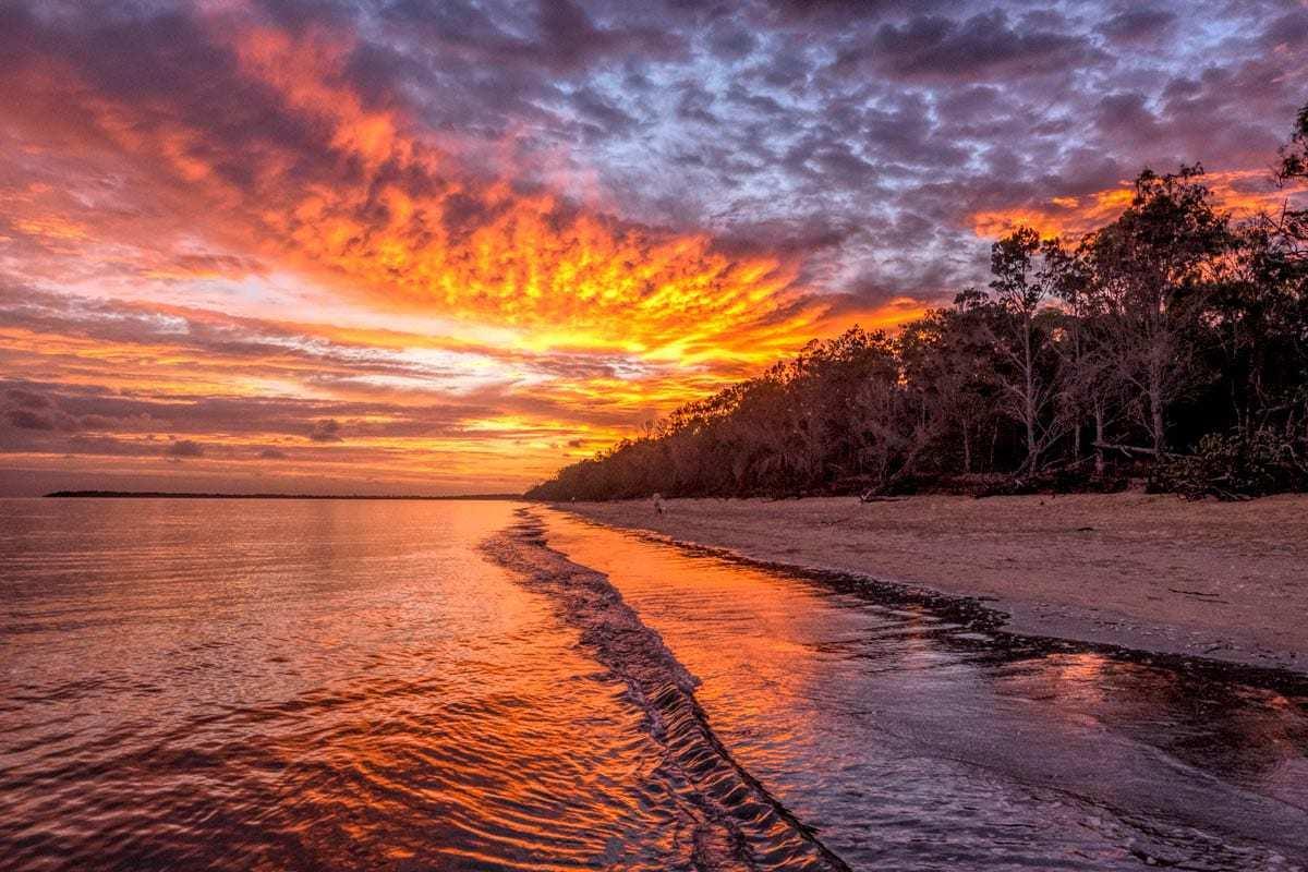 Amanecer en la playa de Dundowran