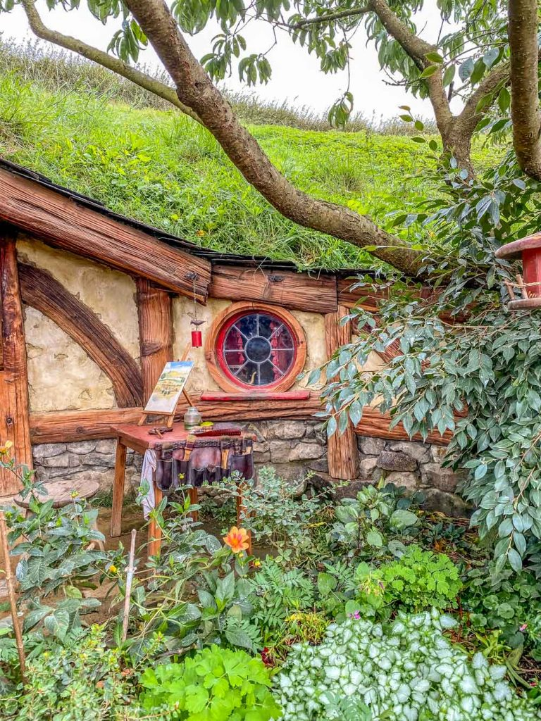 Hobbit hole at Hobbiton in Matamata