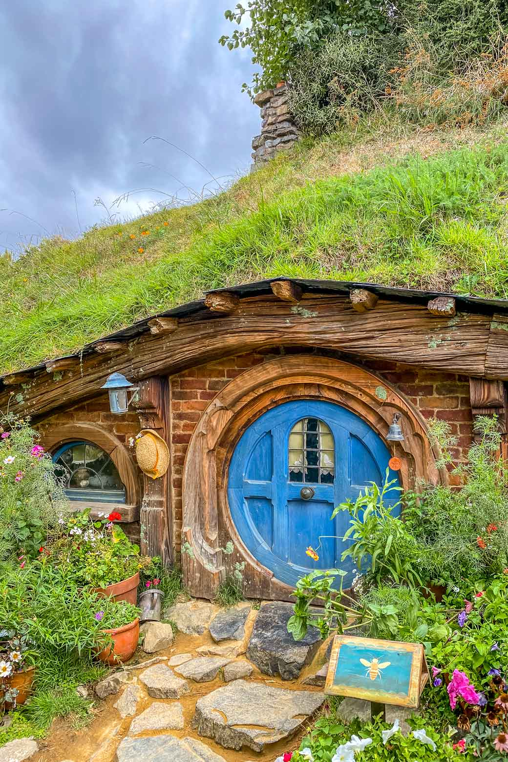 Hobbit hole at Hobbiton Movie Set